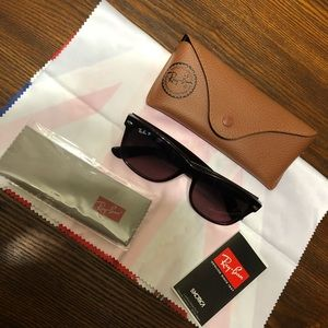 Authentic RayBan New Wayfarer Polarized Sunglasses